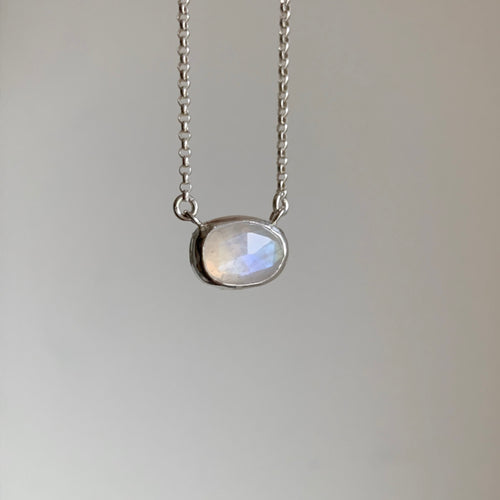 Faceted moonstone necklace - silver