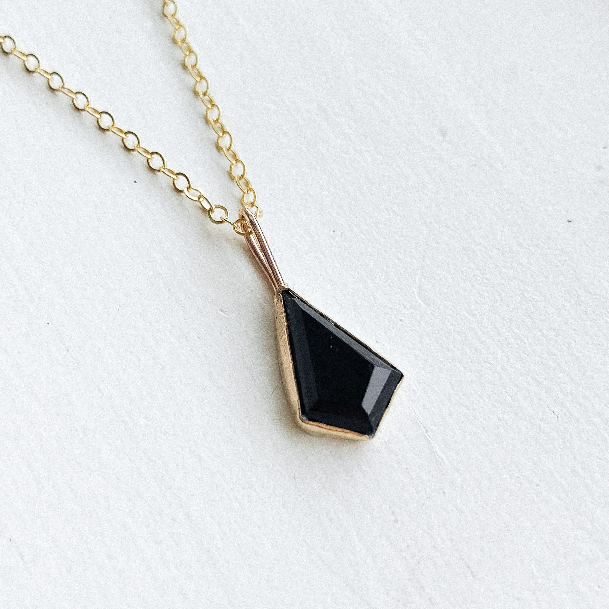Black Onyx kite necklace  - gold - discount
