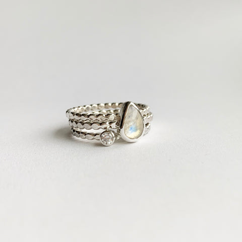 Double ring - gold - size 7.5 to 8.5