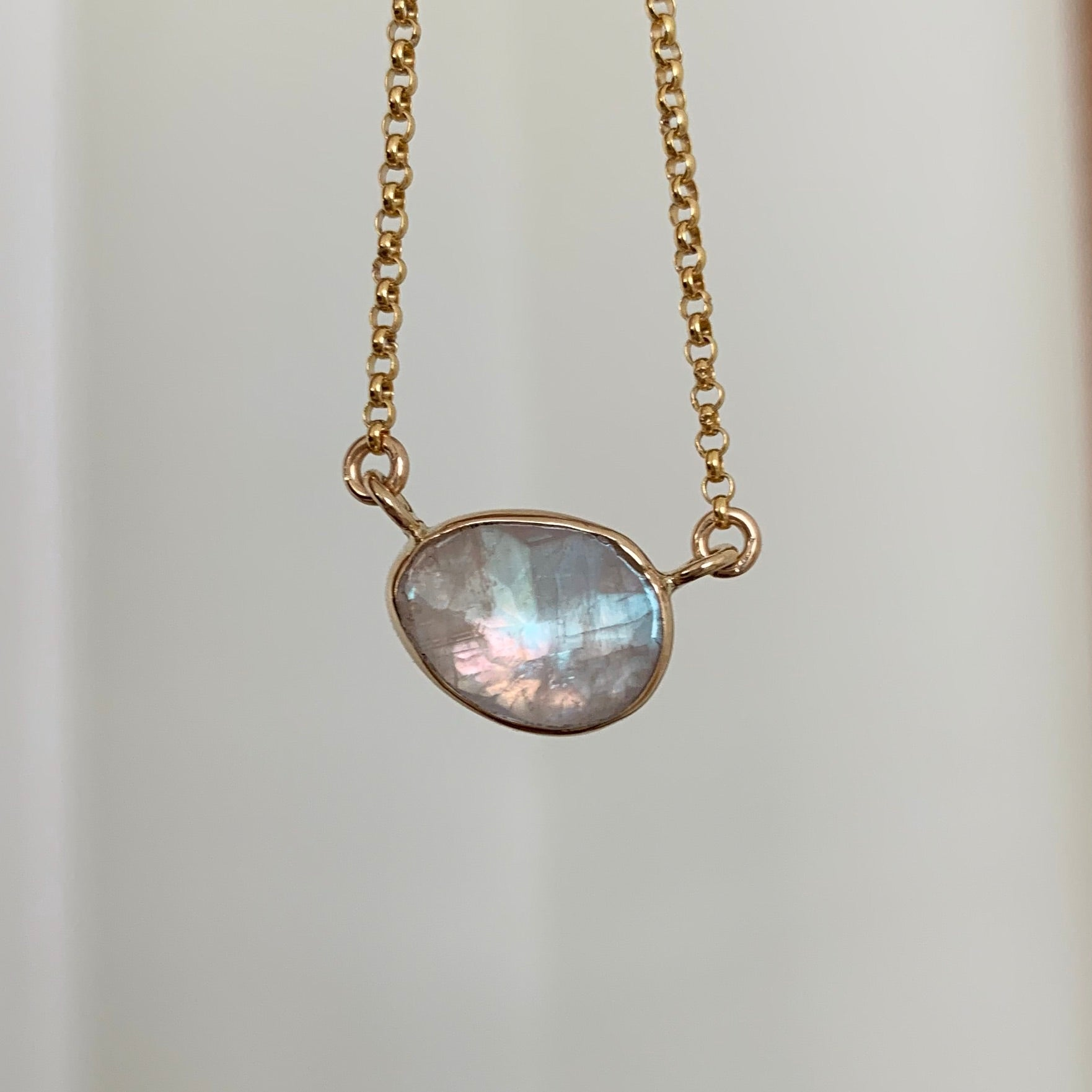 Faceted moonstone necklace - gold