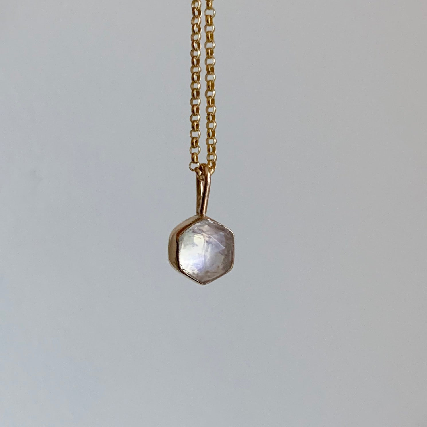 Hexagon necklace - gold