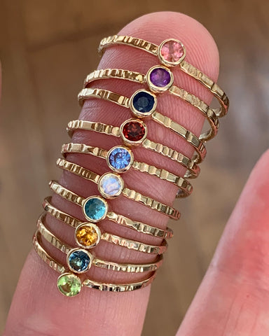 4 Gemstone rings - Gold