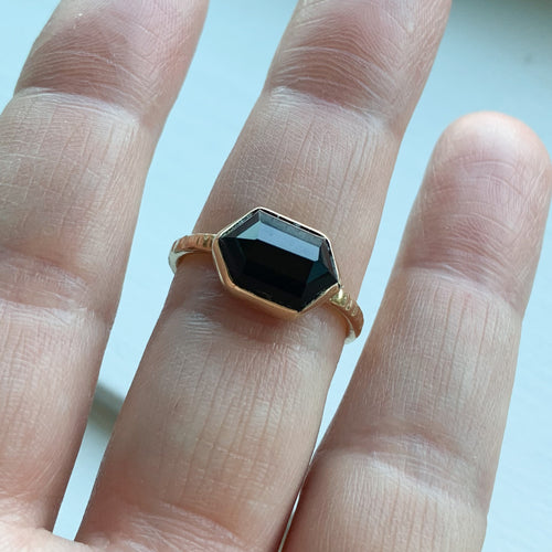 Black Onyx hex ring  - gold - size 9