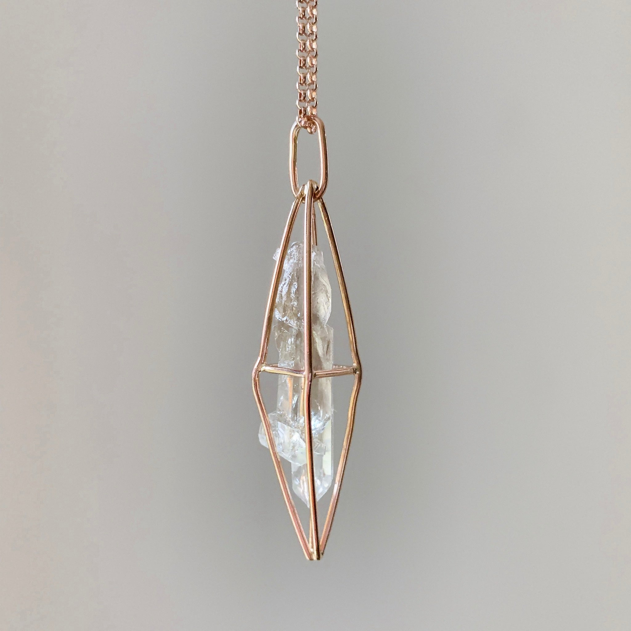 CAGED CRYSTAL - ROSE GOLD - SMOKY QUARTZ
