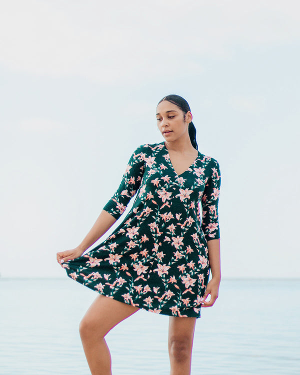 Kira Hawaii  - Colbie Quarter Sleeve Dress - Lilah Print | Lilah Moonrise / Xsmall