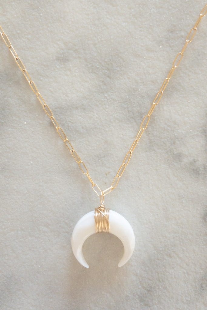 Kira Hawaii  - Crescent Necklace | Mother of Pearl 18""