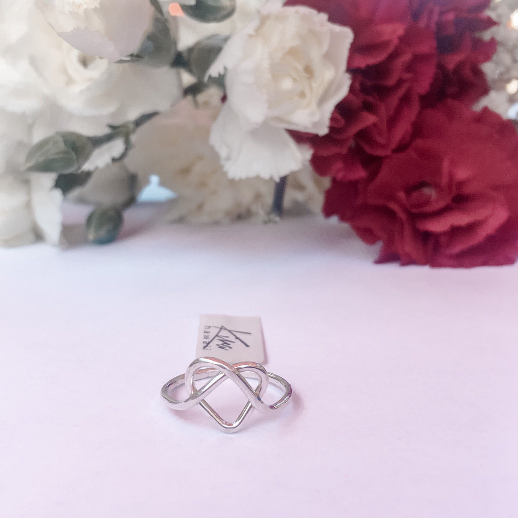 Kira Hawaii  - Love You Knot Ring | Argentium Silver / 3