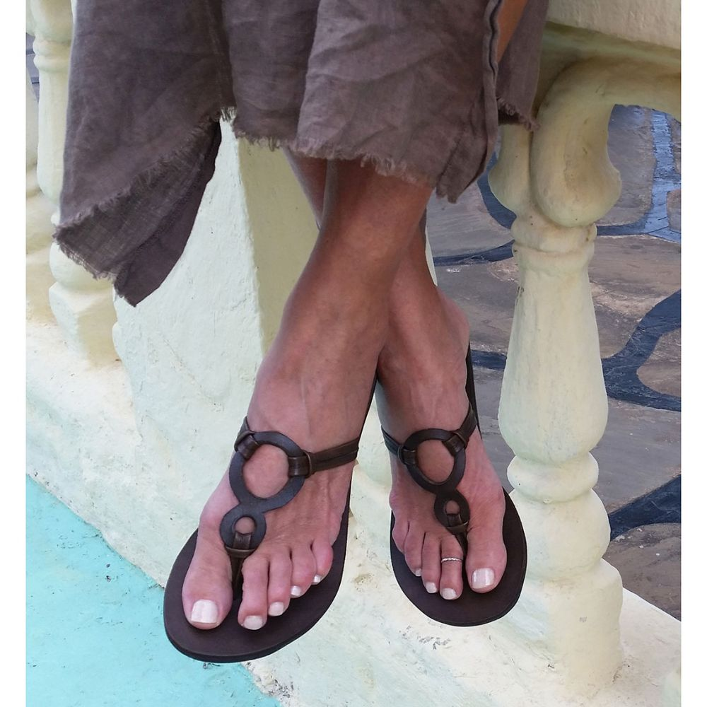 Infinity Flat Sandal | Dark Brown