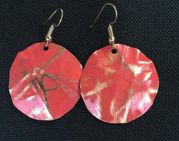 Coral round form-folded earrings