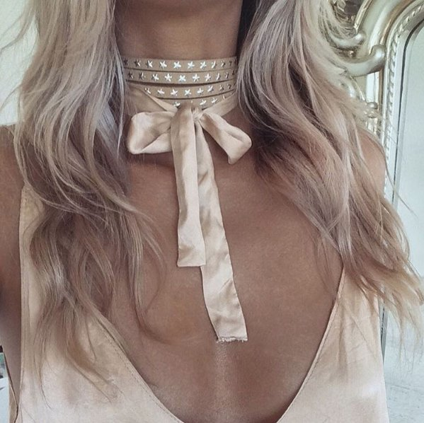 HOT MESS CHOKER - CAMEL