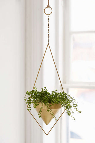 hang-planter-urban-outfitters