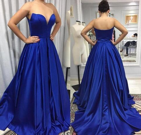 Gorgeous Sweetheart Wedding Party Dress Royal Blue A Line Prom Dress With Sweep Train