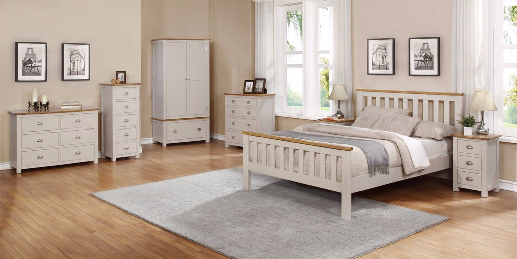 Oak Furniture In The Bedroom For Couples