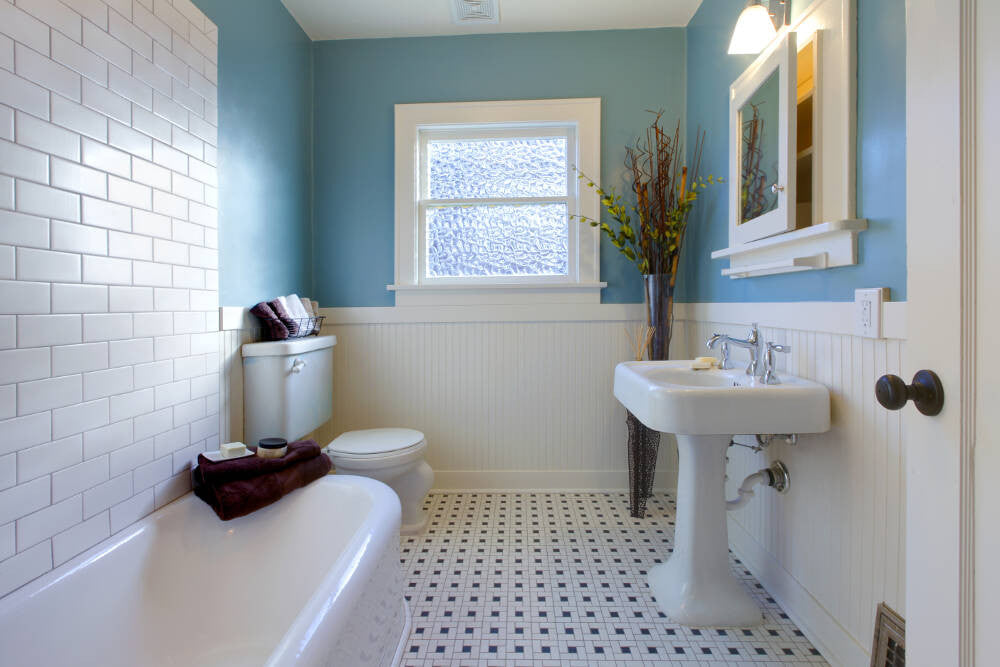 Great Ways To Make A Bathroom Feel Bigger!