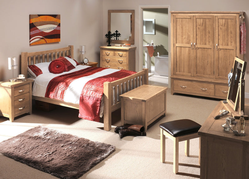 Hampshire Country Oak 3 Door Triple Wardrobe