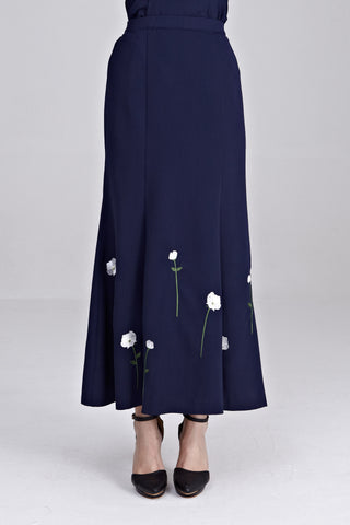 Dynas Maxi Skirt with Floral Embroidery in Navy Blue