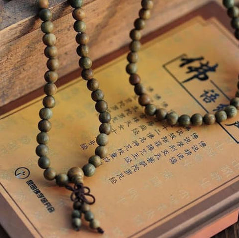 Necklace - Sandalwood Buddhist Buddha Meditation Prayer Bead Mala Bracelet Necklace Collection - (Green)
