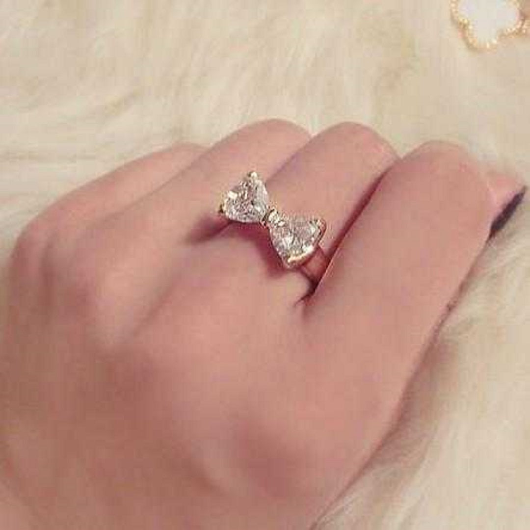Austrian Crystal Finger Bow Zircon Engagement Ring