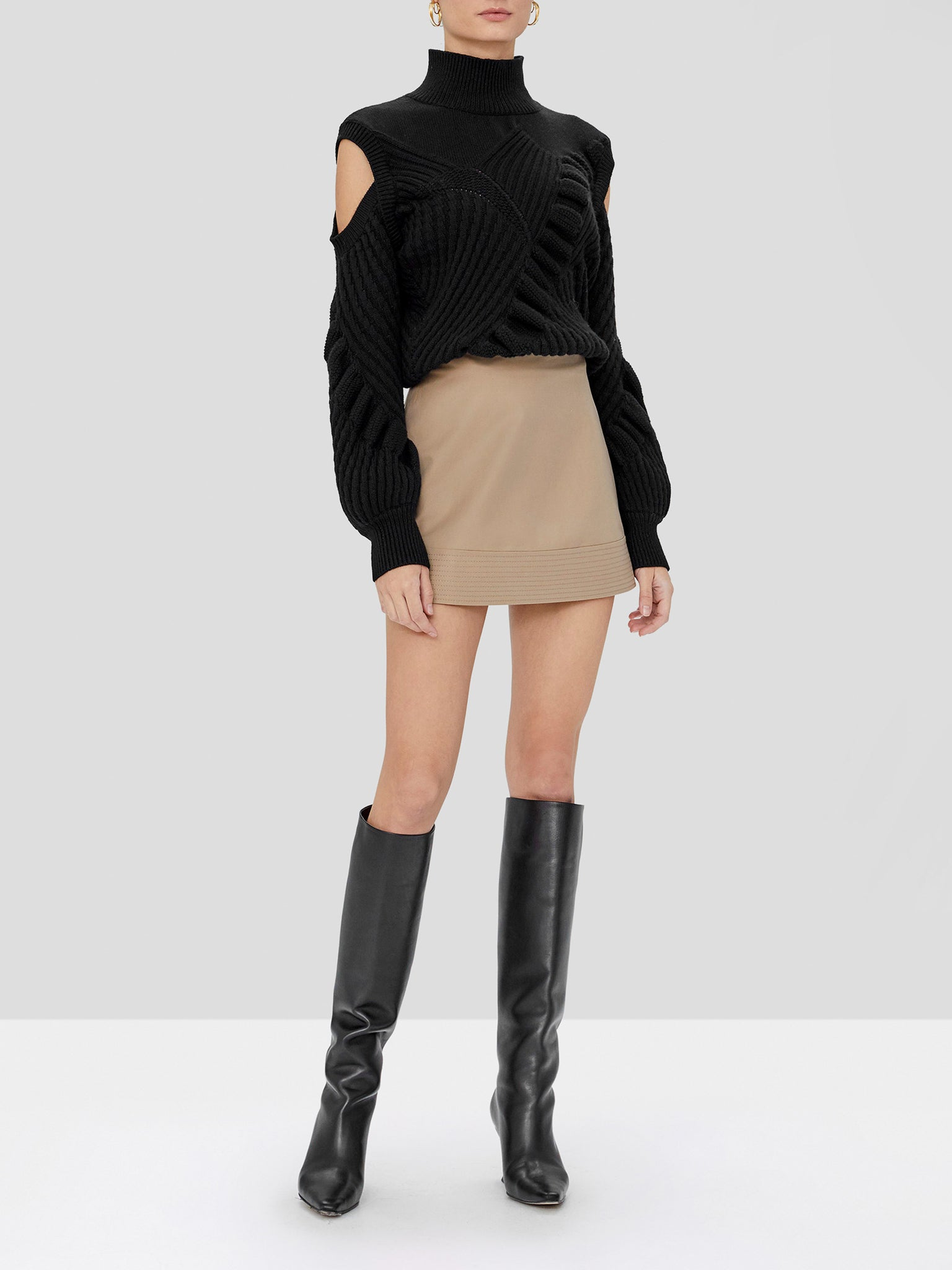 velli sweater in black
