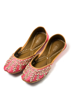 Handcrafted bright pink flats, inspired by South Asian Khussa/Jutti design. Made with 100% genuine leather. Comfortable fancy flats perfect for any occasion, especially for a daytime wedding.