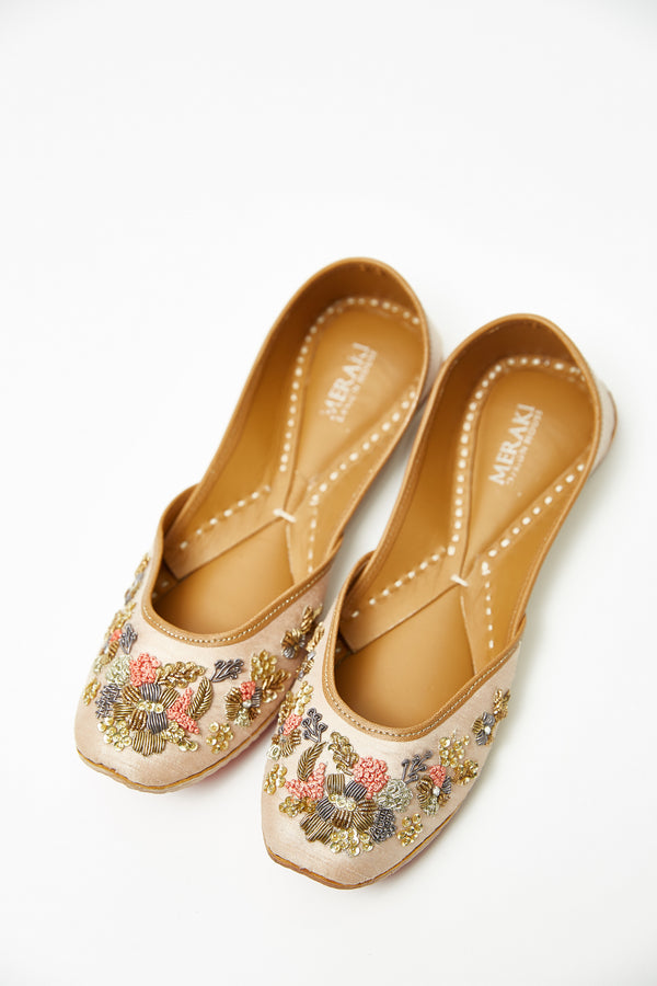Handcrafted flats with bead and wire work, inspired by South Asian Khussa/Jutti design. Made  with 100% genuine leather. Comfortable light pink flats perfect for every occasion, especially a daytime wedding.