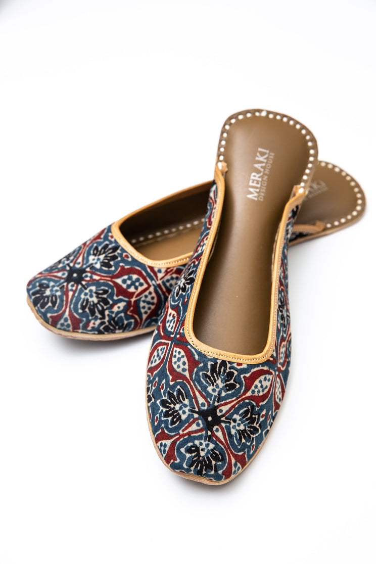 Handcrafted blue blockprinted flats, inspired by the traditional form of South Asian Khussa/Jutti. Made with 100% genuine leather to keep you comfortable regardless of the occasion.