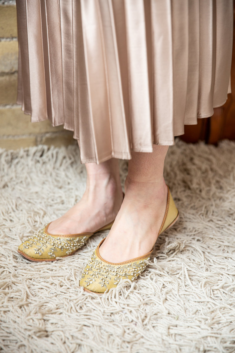 Handcrafted yellow flats, inspired by South Asian Khussa/Jutti design. Made with 100% genuine leather. Comfortable fancy flats perfect for any occasion, especially for a daytime wedding.