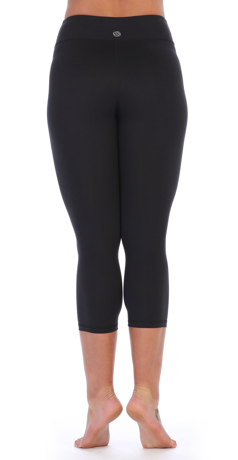 Black-Compression 3/4 Length Workout Leggings-back image