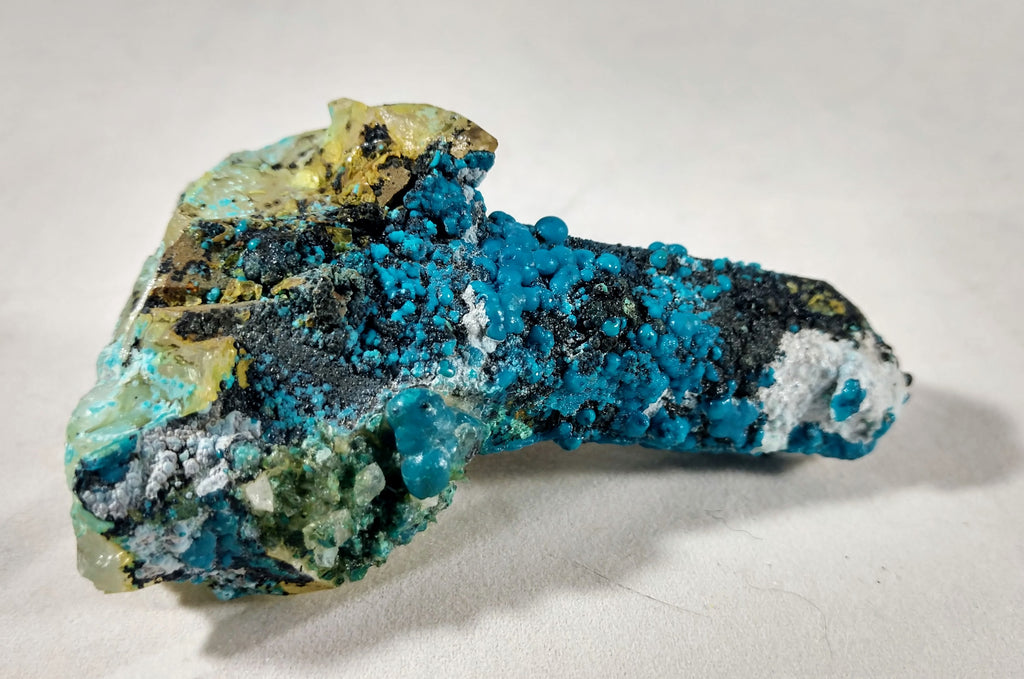 Chrysocolla over Quartz from Peru
