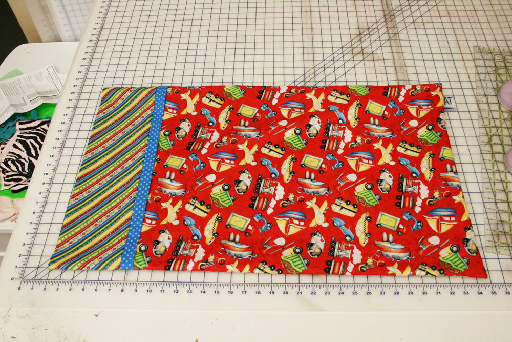 Here is a fun and easy tutorial that teaches you how to easily make a pretty pillowcase with an encased seam and french seams for the finished edges. & Pillowcase Tutorial \u2013 Quilted Works pillowsntoast.com