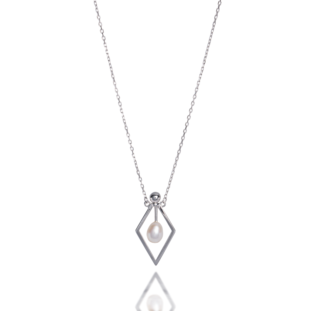 Pendulum Pearl Necklace
