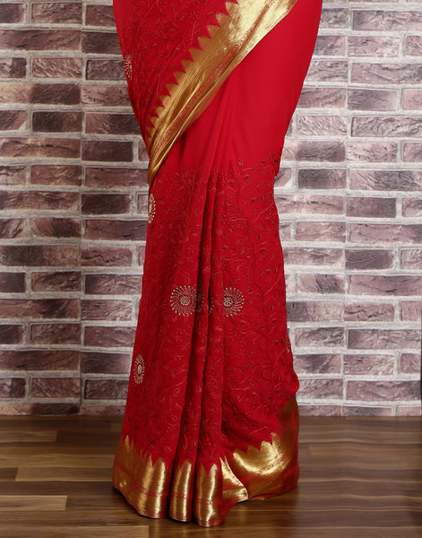 Meena Bazaar: Woven saree with self design golden detailing