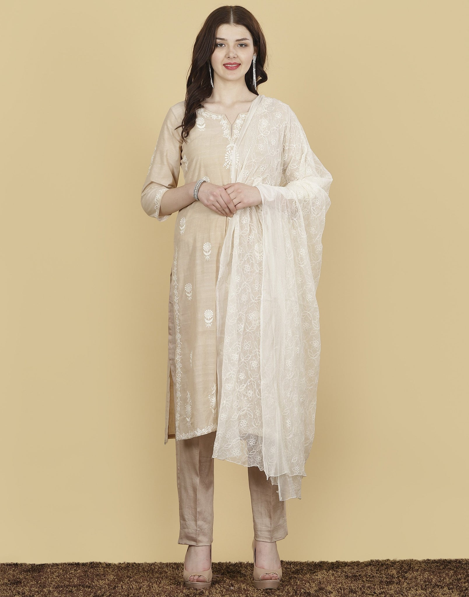 Meena Bazaar : Cotton Suit Set with Thread Embroidery