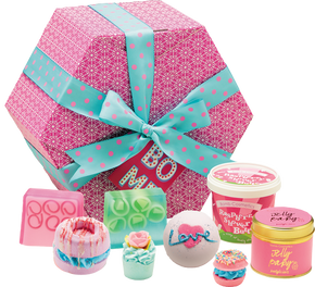 Bomb Cosmetics The Bomb Hat Box Gift Set
