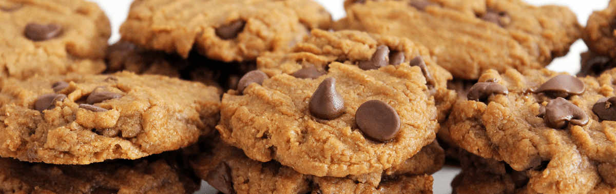 Peanut Butter Cookies with Truth Bar Chunks