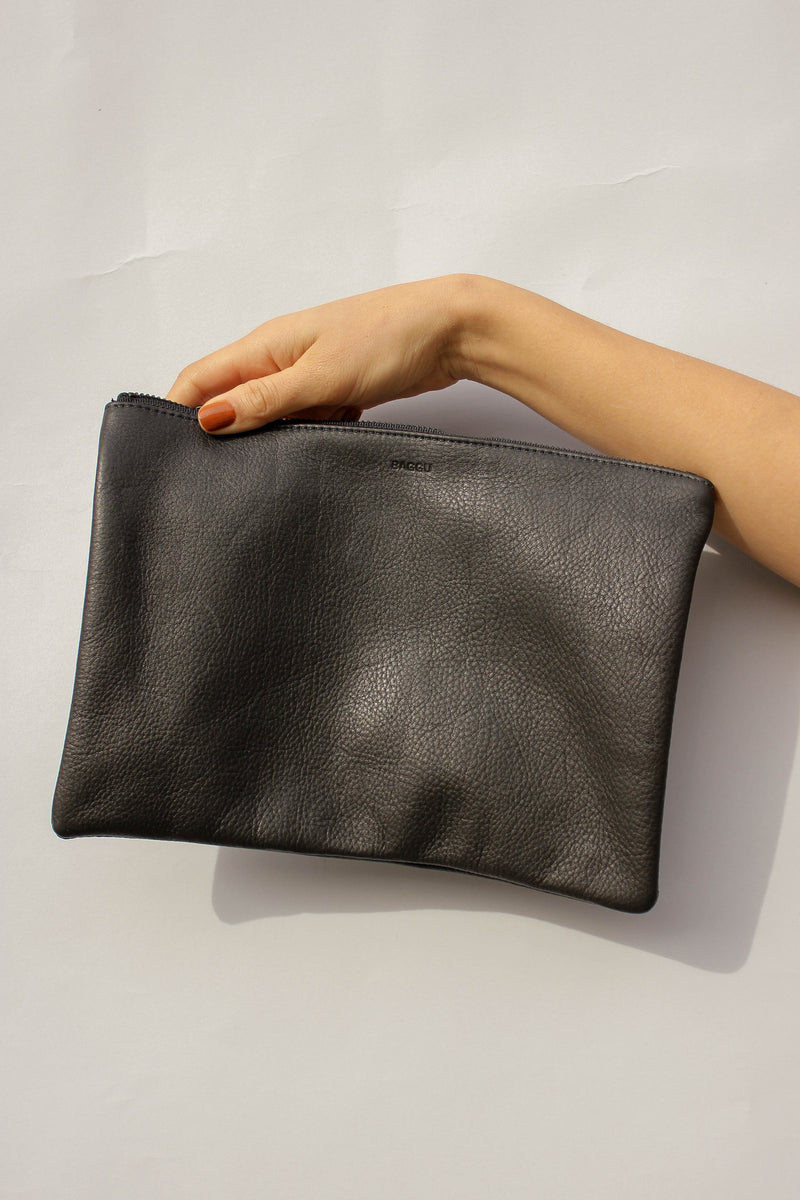 Medium Flat Pouch in Black