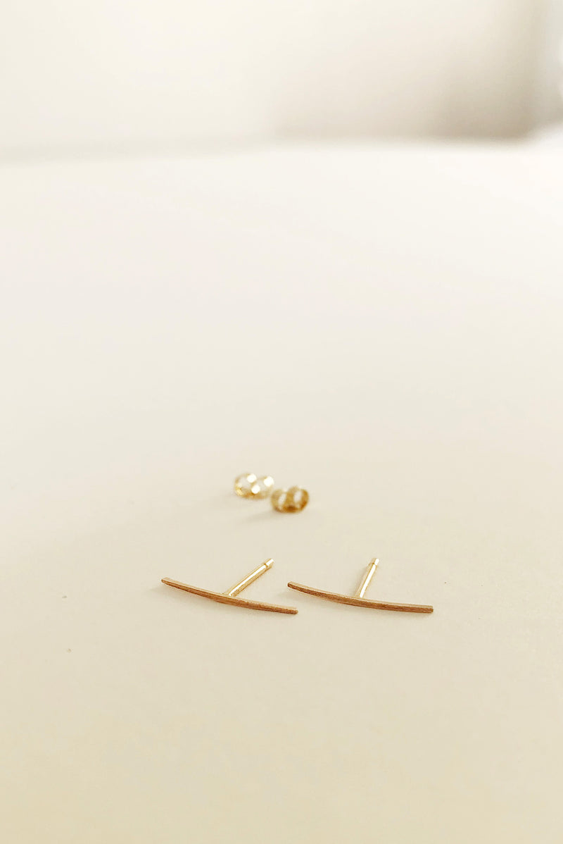 Large Crescent Bow Stud in 14k Gold (Single)