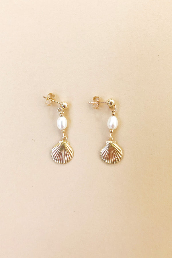 De Milo Seashell Earrings