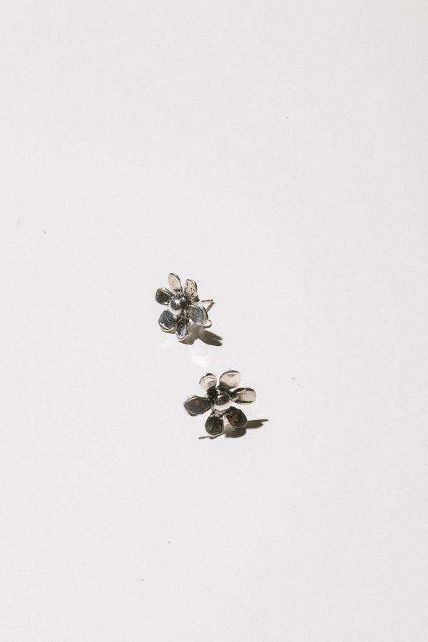 Daisy Studs in Silver