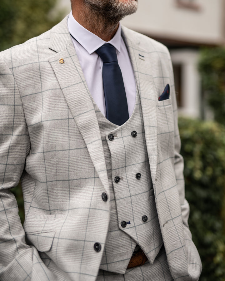 Allan's 3 Piece Radika Look cavani-radika-light-grey-blazer / cavani-radika-light-grey-waistcoat / cavani-radika-grey-trousers