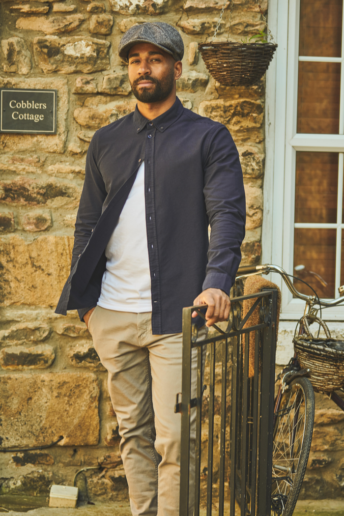 Autumn Casual Oxford Shirt Outfit blend-cotton-oxford-shirt-in-navy / blend-white-t-shirt / blend-granite-chinos