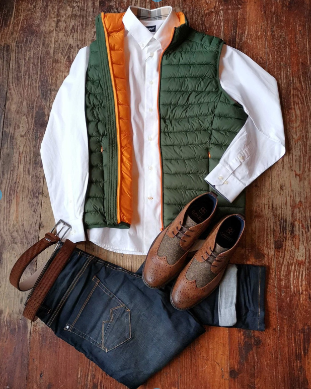 Barbour & Blend Casual Look blend-blue-gilet / casual-friday-white-crew-neck-cotton-t-shirt / blend-granite-chinos