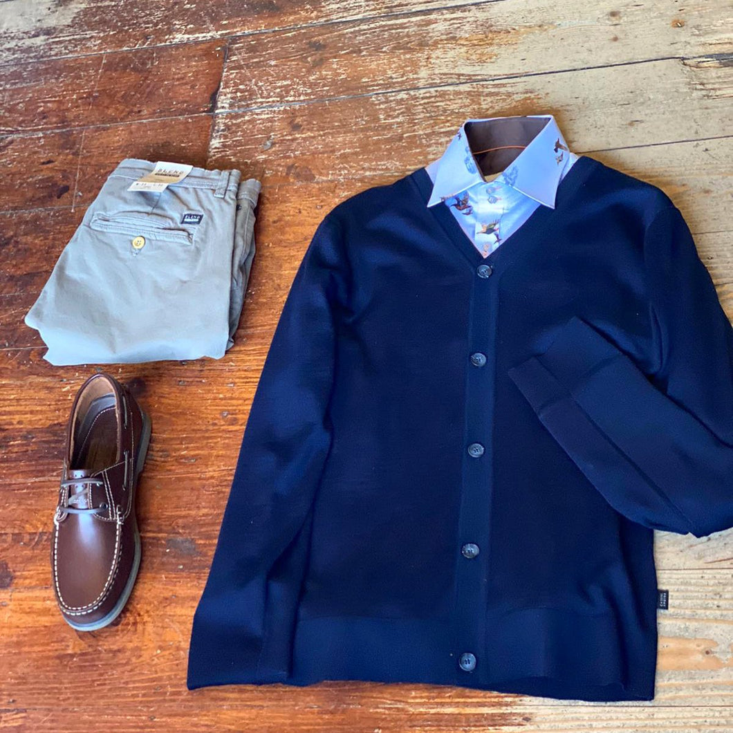 Cardigan & Chino Look casual-friday-kurt-navy-merino-wool-cardigan / claudio-lugli-white-pheasant-shirt / blend-granite-chinos