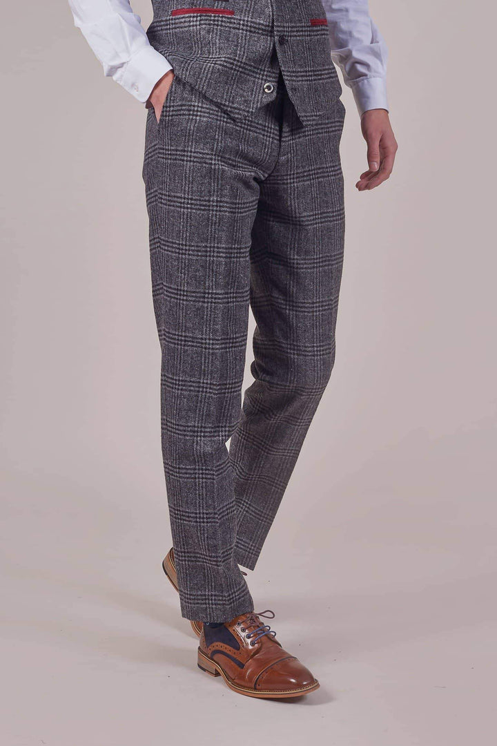 Fratelli Fratelli Grey Check With Burgundy Trim Tweed Style 3 Piece Suit £161.25