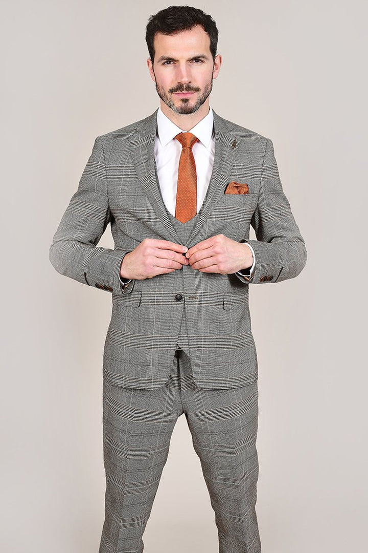 Fratelli Tan Prince Of Wales Check 3 Piece Suit fratelli-tan-prince-of-wales-check-blazer / fratelli-tan-prince-of-wales-check-waistcoat / fratelli-tan-prince-of-wales-check-trousers