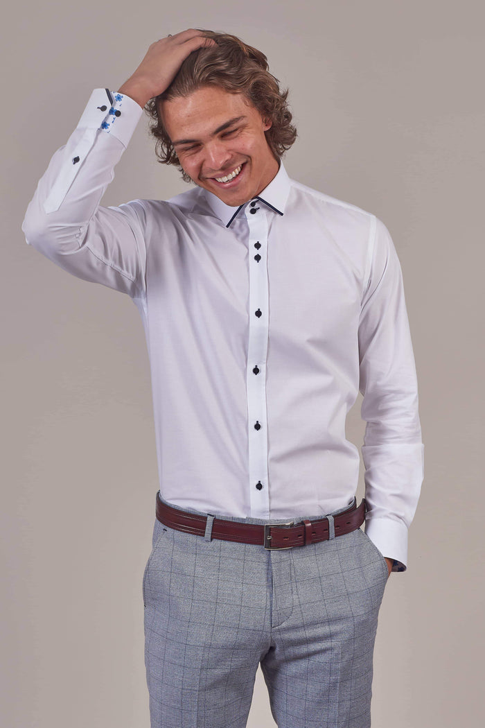 Guide London Guide London White Cotton Blend Shirt With Contrast Navy Collar £26.00