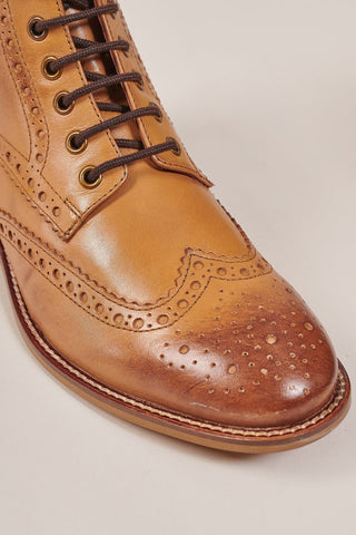 London Brogues London Brogues Gatsby Tan Leather Hi Brogue Boots £85.00