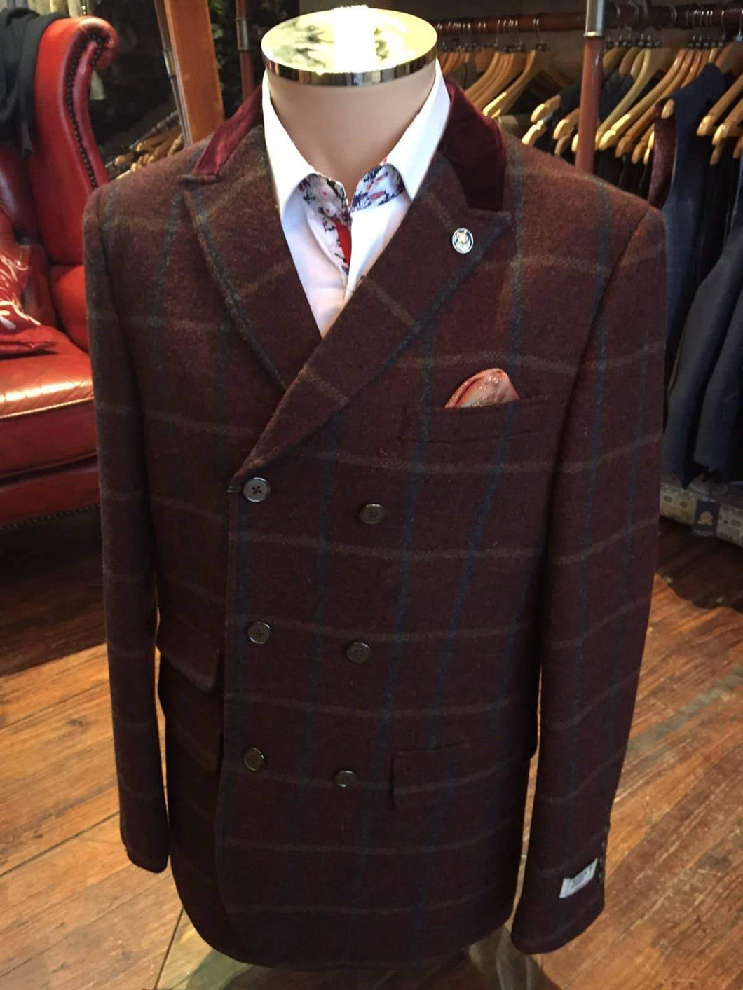 Maddox Street Rosewood Double Breasted Wool Blazer 40