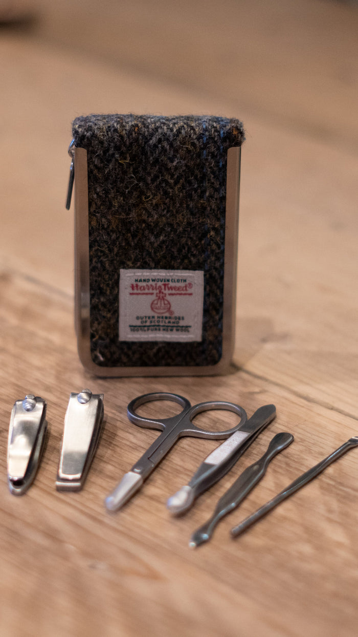 Manicure Set In Tweed Case