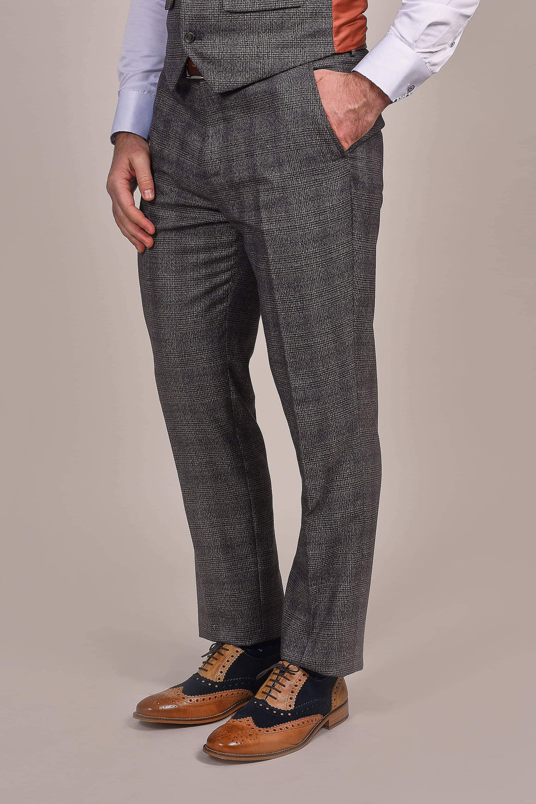 Master Debonair Charcoal Prince Of Wales Check Trousers 28R / Charcoal